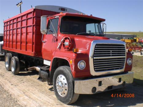 1983 Ford F9000