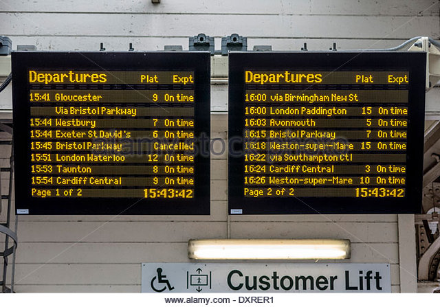 electronic-departures-board-displaying-train-times-at-railway-station-dxrer1.jpg